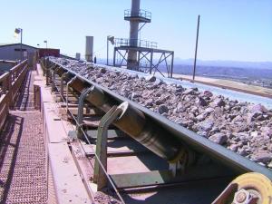 Belt conveyor danger zones