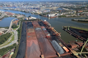 Bulk stable as Hamburg grows