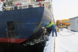 Hydrex underwater repairs in winter conditions