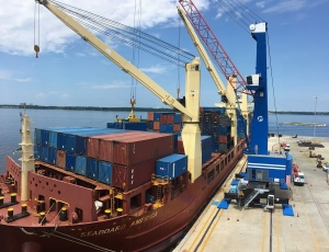 Konecranes brings innovative MHC to Florida port