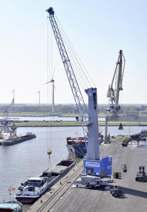 Konecranes Gottwald MHC for Bremer Weserport