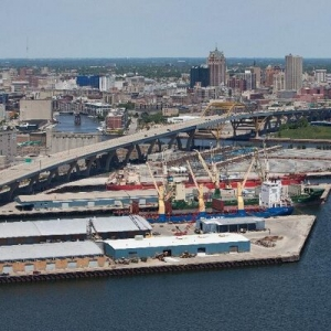 Milwaukee cargo volume grows