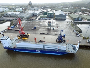 New Liebherr LHM 420 for Shannon Foynes Port