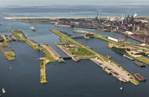 North Sea Canal transhipment down 10 percent