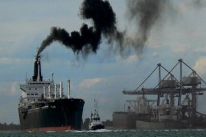 Shipping to meet CO2 reduction target