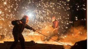 World crude steel production rises